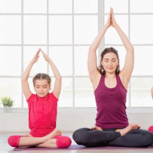 Familien Yoga im Satya Yoga Zentrum in Besse