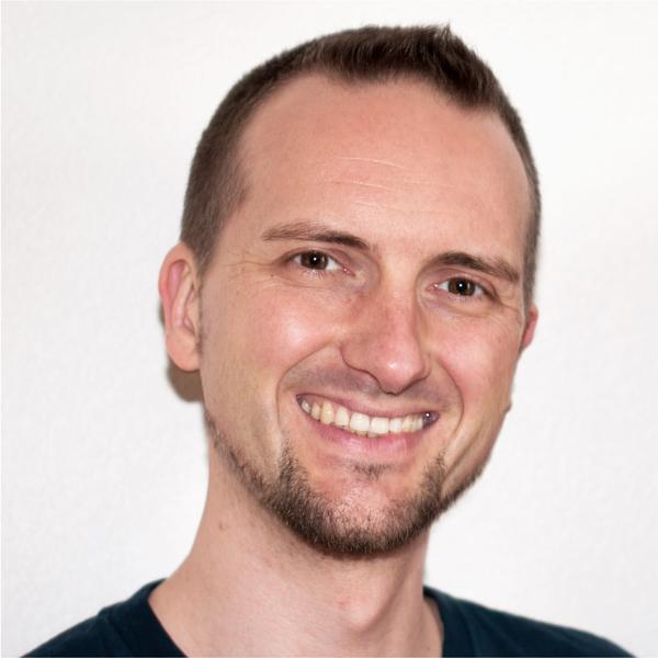 Sebastian Pfaar Profil Rund Yogalehrer bei Satya Yoga in Besse