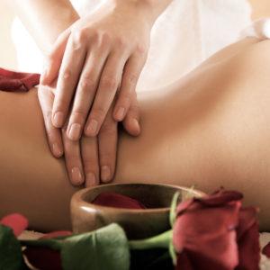 Rückenmassage im Satya Yoga Zentrum in Besse
